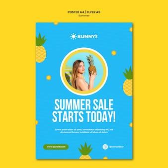 Modello di volantino di vendita estiva
