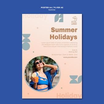 Modello di volantino di viaggio estivo