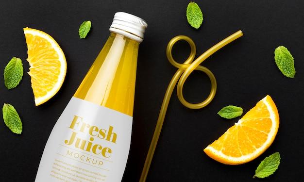 Mock-up di concetto di succo di bevanda dolce