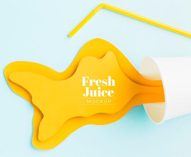 甘い飲み物ジュースのコンセプトのモックアップ