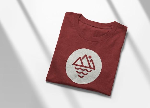 고립 된 t- 셔츠 모형 디자인