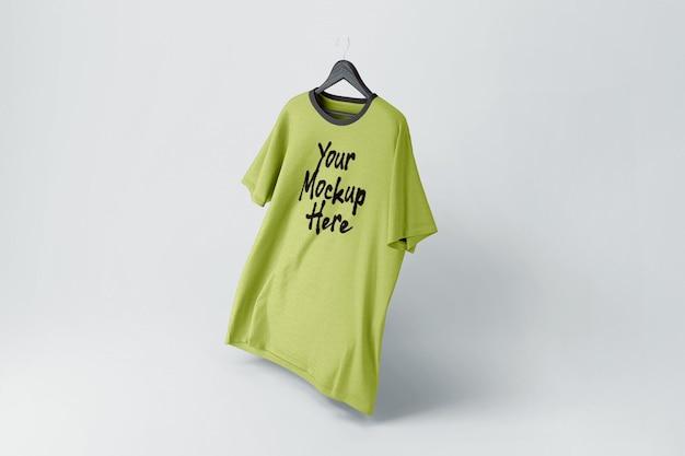 分離されたtシャツのモックアップ