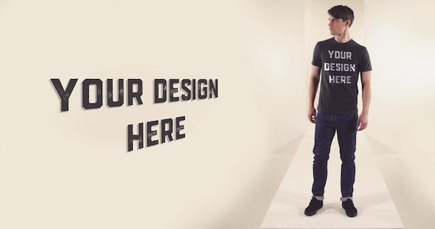 Tシャツモデルのモックアップ