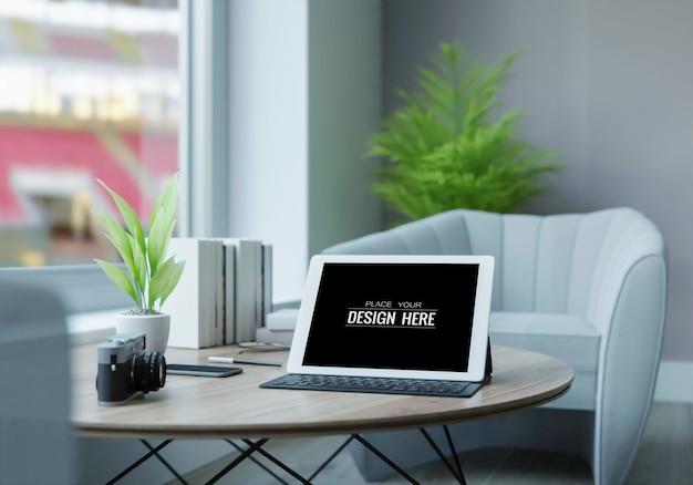 テーブルモックアップ上のタブレットコンピューター