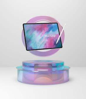 Dispositivo tablet su supporto in vetro mock-up