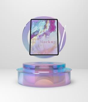 Планшетное устройство на стеклянной подставке