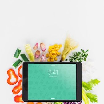 Tablet mockup with healthy food concept