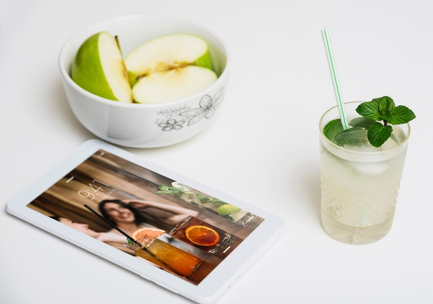 Tablet mockup with healthy food