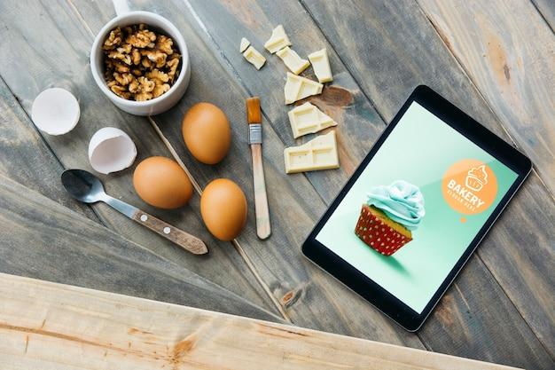 Планшетный макет с концепцией кухни