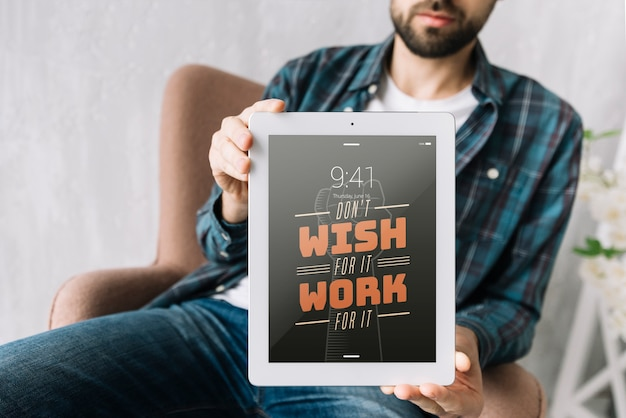 Tablet mockup with quote