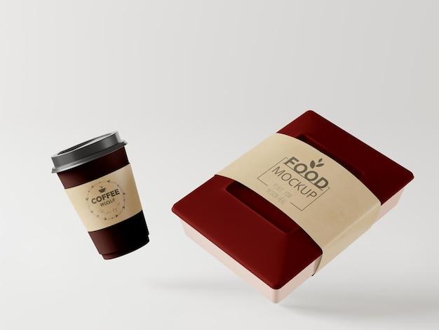 커피 컵과 음식 패키지 모형을 가져 가십시오.