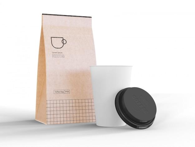 Заберите кофейную чашку и макет бумажного пакета