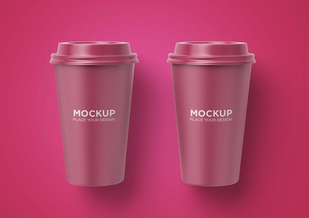 分離された紙のコーヒーカップのモックアップを奪う