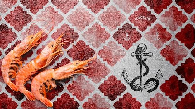 Gustosa composizione di frutti di mare con mock-up