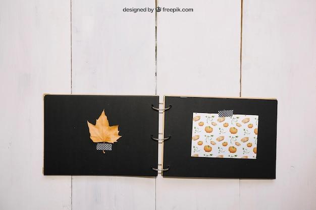 Mockup del ringraziamento con libro fatto a mano