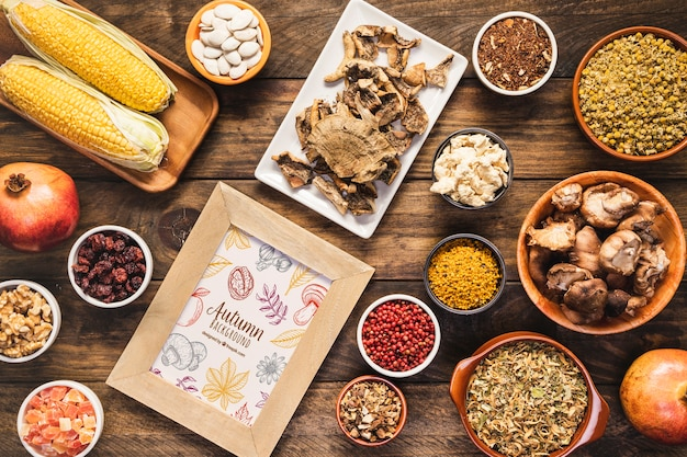 Расположение сверху вкусной осенней еды