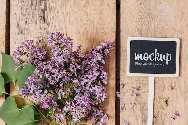 美しい花の平面図黒板モックアップ