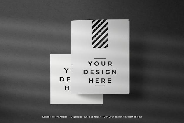 上面図の空白のカードと封筒のモックアップ