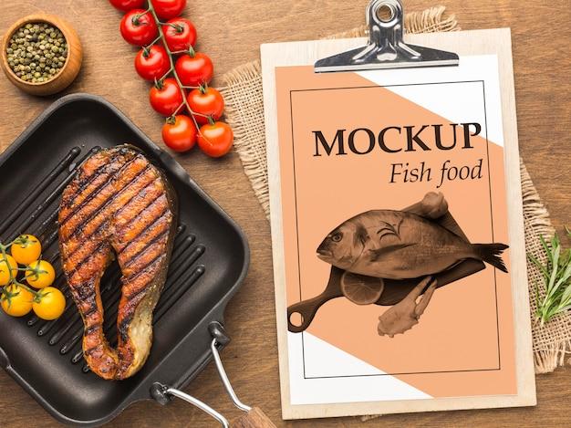 トップビュー美味しい魚料理のアレンジメント