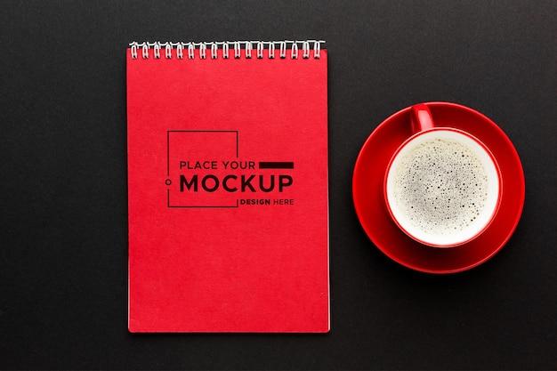 Vista dall'alto del concetto di scrivania mock-up
