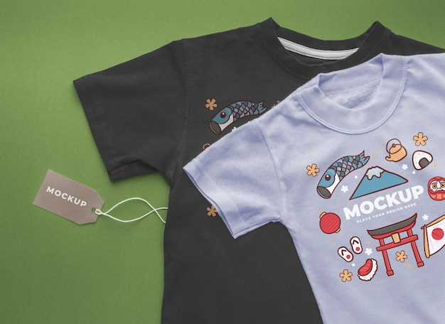 상위 뷰 일본 티셔츠 모형 배치