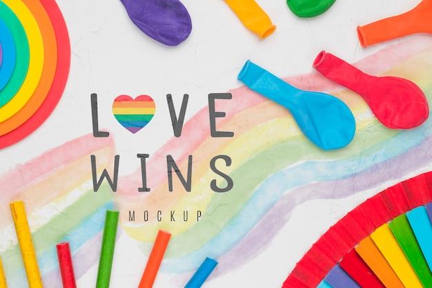 カラフルな風船と虹色のトップビュー