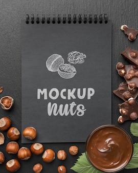 Макет вкусных орехов сверху
