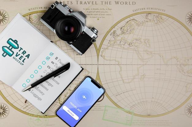여행 개념 모형의 상위 뷰 프리미엄 PSD 파일