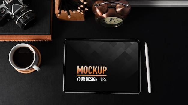 デジタルタブレットのモックアップとワークスペースの上面図