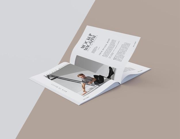開いた雑誌のデザインのモックアップの上面図