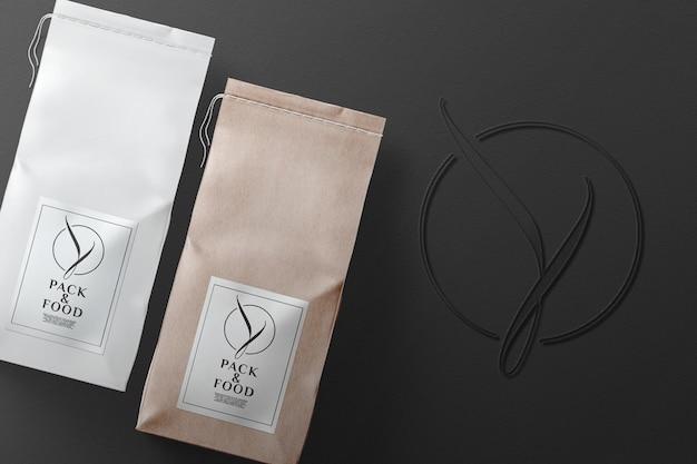 Макет бумажного пакета с логотипом