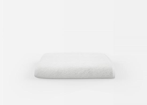 Полотенце на белом