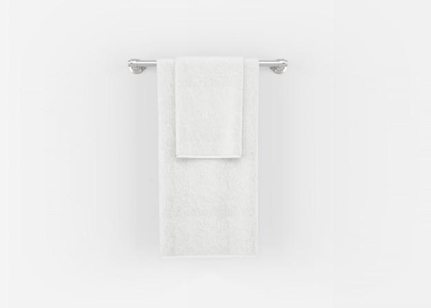 Полотенца на вешалке для полотенец