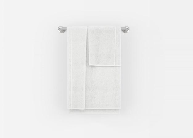 Asciugamani sul portasciugamani
