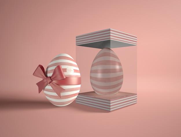 Scatola trasparente con uovo di pasqua