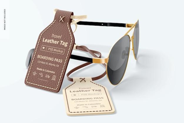 トラベルレザータグモックアップ、メガネ付き