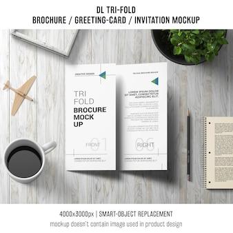 Трехмерная брошюра или макет натюрморта приглашения