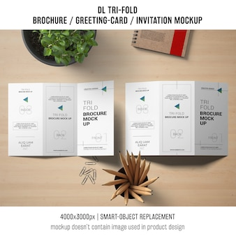 삼중 브로셔 또는 초대 이랑 정물화 개념