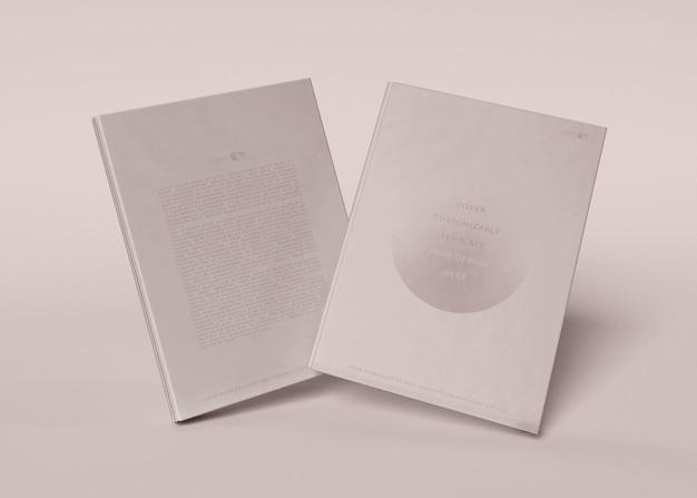 2冊の本のモックアップ