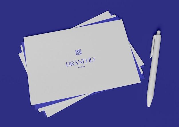 Два конверта с карандашным макетом