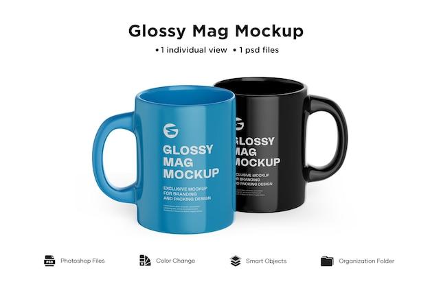 2つの光沢のあるマグカップのモックアップ