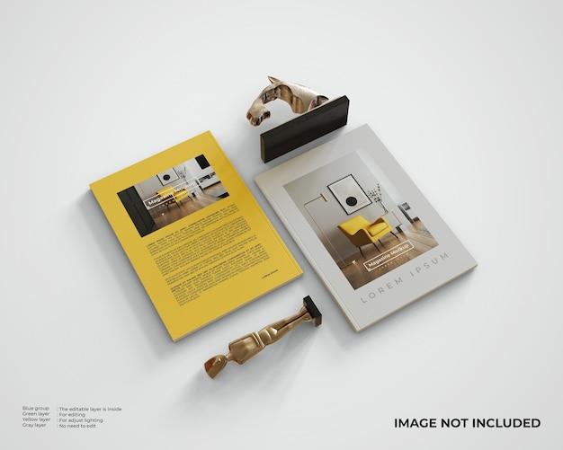 두 개의 조각상이있는 두 개의 잡지 모형. 평면도