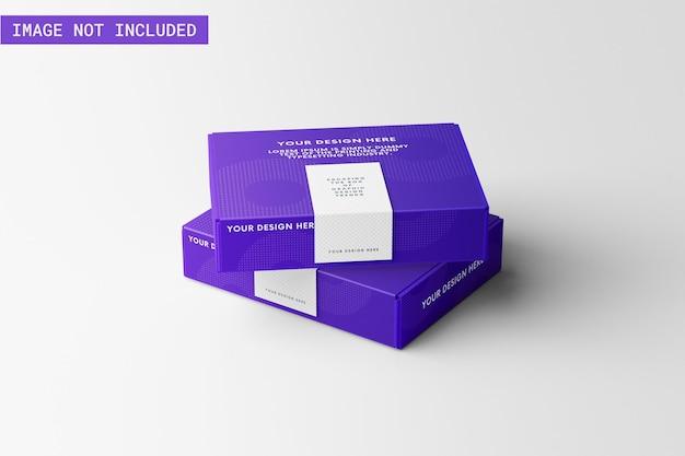테이프가 있는 두 개의 제품 상자 모형