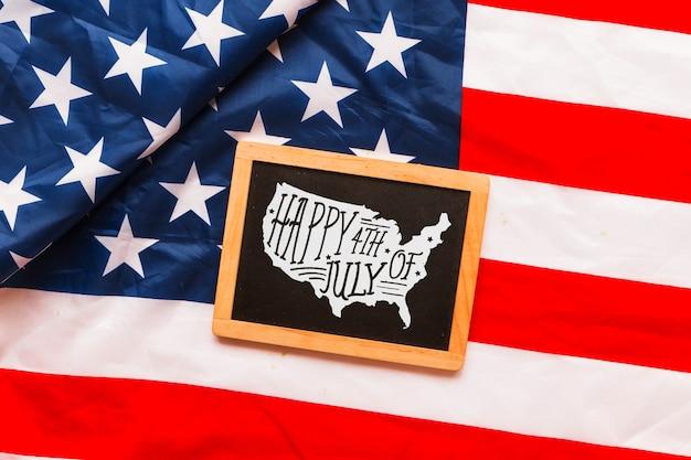 スレートを用いた米国の独立記念日モックアップ 無料 Psd