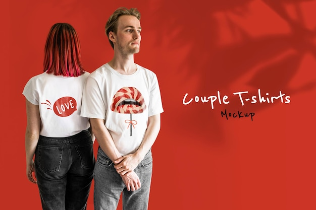 Mockup di t-shirt di coppia di san valentino psd tema labbra rosse lecca-lecca
