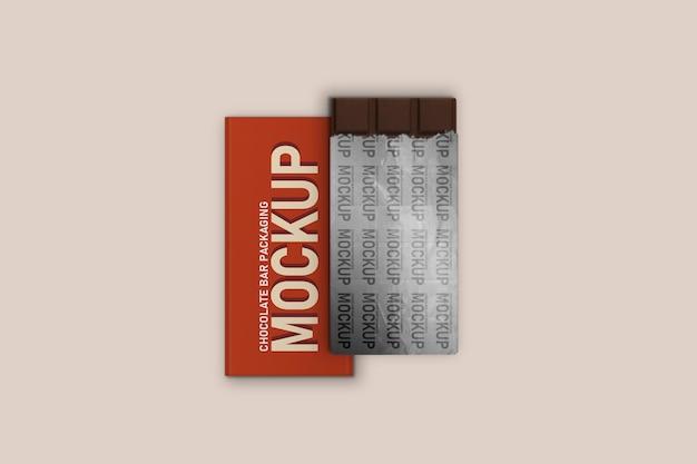 찢어진 내부 포일 포장 모형이있는 수직 초콜릿 바