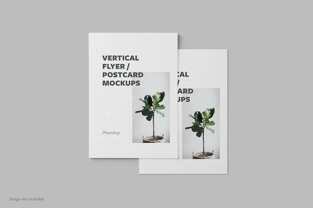 Вертикальный флаер и макет открытки, вид сверху