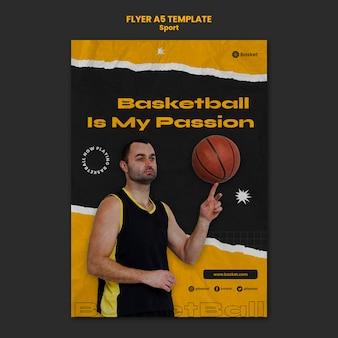 Modello di volantino verticale per partita di basket con giocatore maschio
