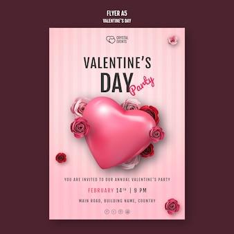 Modello di volantino verticale per san valentino con cuore e rose rosse
