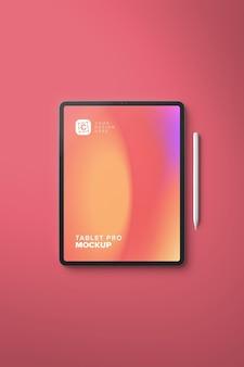 펜으로 디지털 아트를 위한 세로 세로 프로 태블릿 목업
